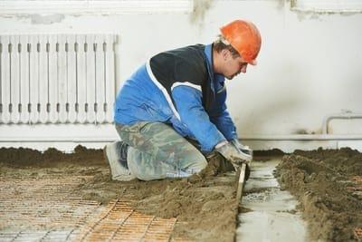 Rockhampton Concreters laying concrete on residential floor.